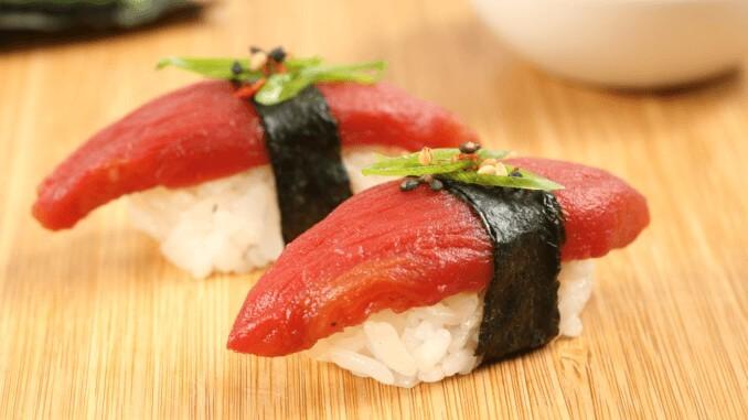 Sushi mit Ahimi: veganer Thunfisch von Ocen Hugger Foods