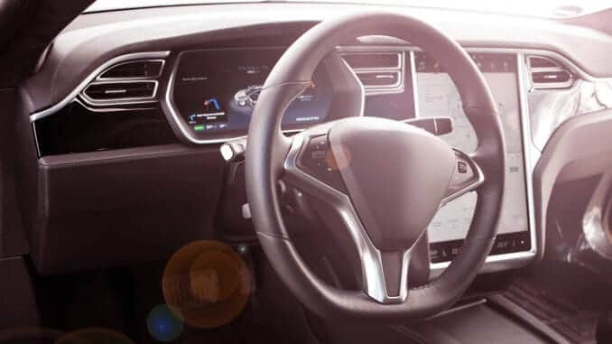 Innenansicht eines Teslas