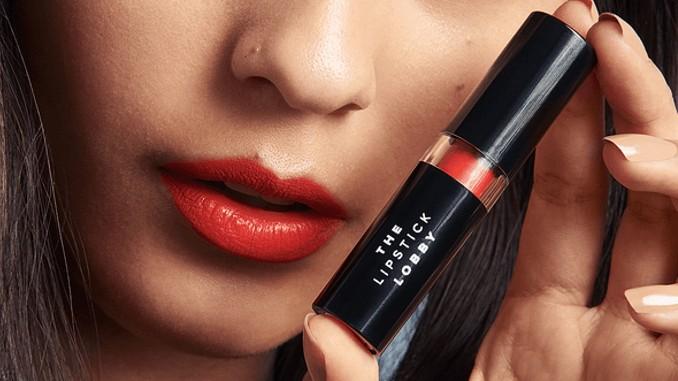 Fired Up – veganer Lippenstift von The lipstick lobby der gegen Schusswafffen und Tote werben soll