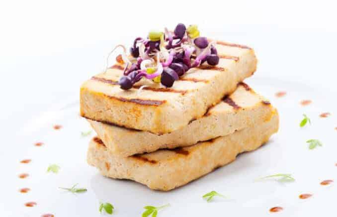 Tofu pflanzliches fleisch fleischersatz